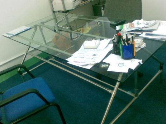 irodai_asztal